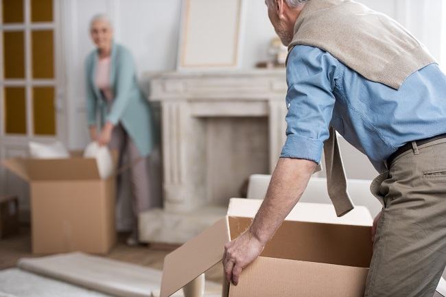 What to Consider Before Hiring Movers For Your Aging Parents
