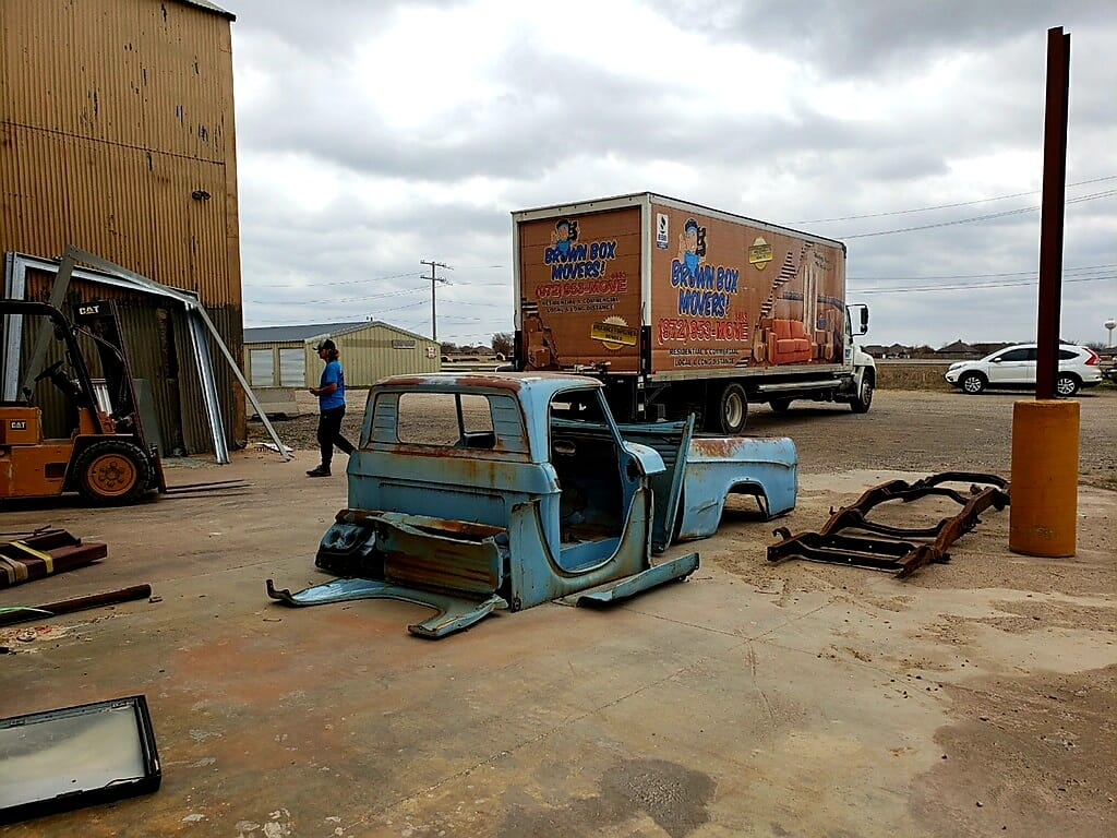 Why Hire A Professional Mover To Help With Your Junk Removal